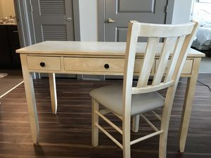 Desk + Chair for Sale in Nashville, TN