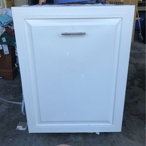 GE Profile Dishwasher Model Number PDWT502R10II With Black With Cream Cabinetry Front for Sale in Jacksonville Beach, FL