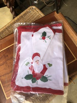 Christmas place mats & napkins. (8) for Sale in Marion, NC