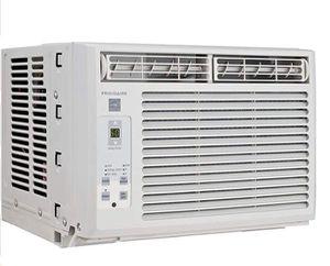 Window Air Conditioner Air Condition Aire Acondicionado de Ventana Frigidaire 5,000 BTU for Sale in Virginia Gardens, FL