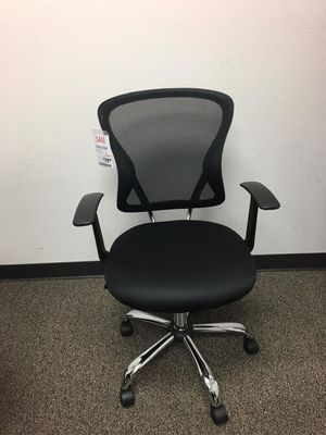 Black Midback Mesh Office Chair, 1139BLK for Sale in Norwalk, CA