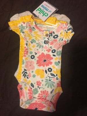 Ropita de niño y niña son para recién nacidos el set. 5 dólares nuevos for Sale in Lynwood, CA