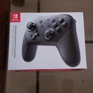 Nintendo Switch Pro Controller for Sale in Mesa, AZ