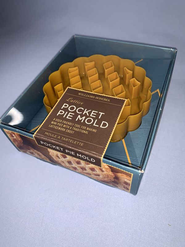 WILLIAMS-SONOMA Pocket Pie Mold