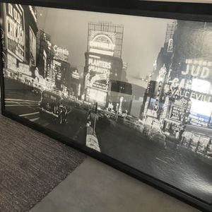 NY Photo Black And White for Sale in Las Vegas, NV