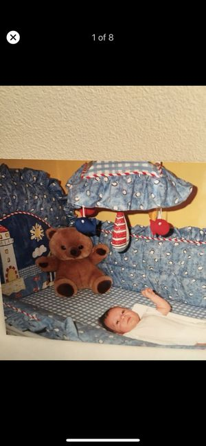 BABY ROOM BEDDING SET FOR CRIB AND MATCHING ACCESSORIES for Sale in Cranberry Township, PA