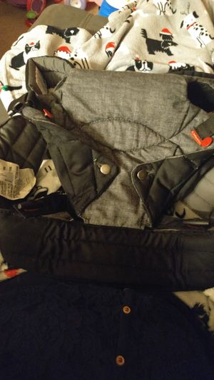 Infantino baby carrier for Sale in Auburn, WA