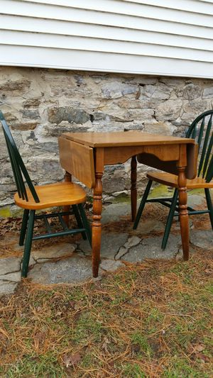 Kitchen table with 2 chairs good condition for Sale in Trumbull, CT