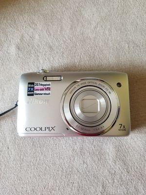 Nikon Coolpix Digital Camera for Sale in Roseville, MN