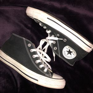 Mid-Top Chuck Taylor Converse for Sale in Phoenix, AZ