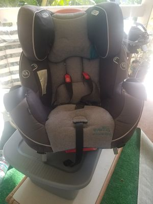 Even flo car seat. Excellent condition platinum series for Sale in Kihei, HI