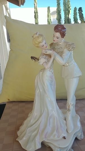 Rare vintage Florence ceramic Cinderella & Prince charming statue for Sale in Chandler, AZ