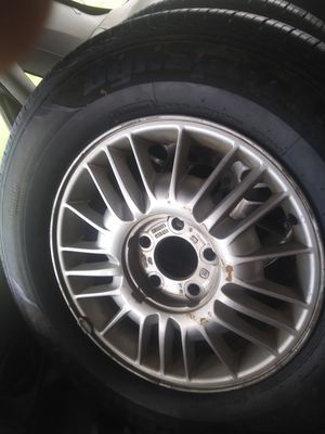 225/70 r16 hankook dyna pro tires never driven on with two GM rims for Sale in Pleasant View, TN