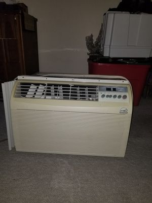 AC window Shaker and microwave both for 100 for Sale in Canton, GA