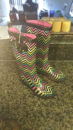 Size 6 rain boots really good condition for Sale in Orlando, FL