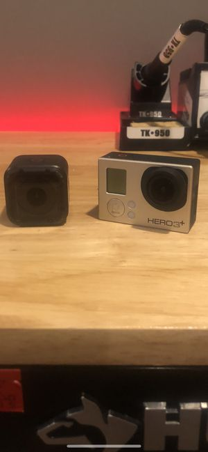 GoPro session and hero 3 silver for Sale in Bluff City, TN