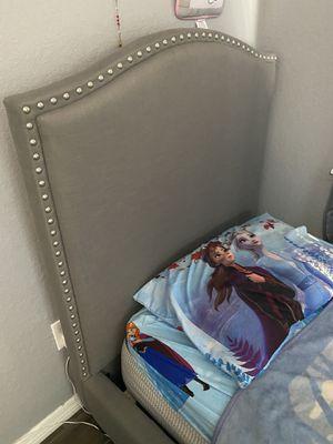 Twin bed for Sale in Palmetto, FL