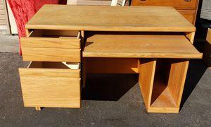 Small desk for Sale in Escondido, CA