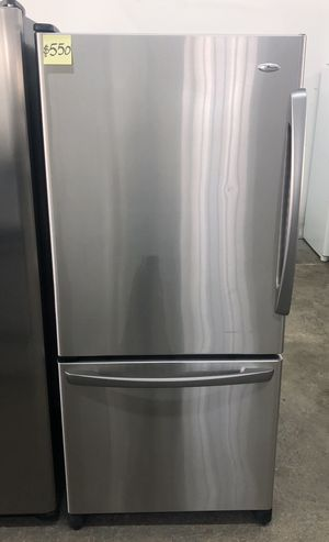 """Comes with free 6 Months Warranty-like new 29 5/8"""" wide bottom freezer stainless Amana for Sale in Warren, MI"""