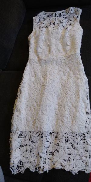 White Dress for Sale in Brook Park, OH