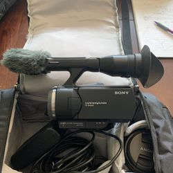 Sony NEX VG-10 HD Video Camera for Sale in Rochester,  NY