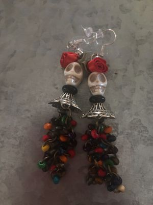 Handmade lovely Katrina earring s for Sale in Bellflower, CA