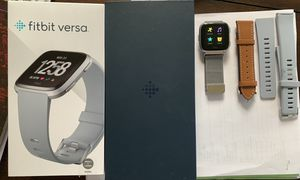 Fitbit Versa (like new) for Sale in Boca Raton, FL