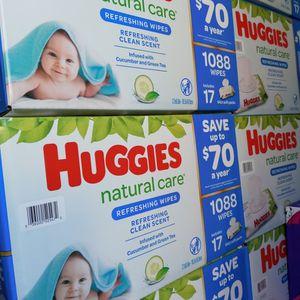 Huggies Natural Care Cucumber Wipes for Sale in Gardena, CA