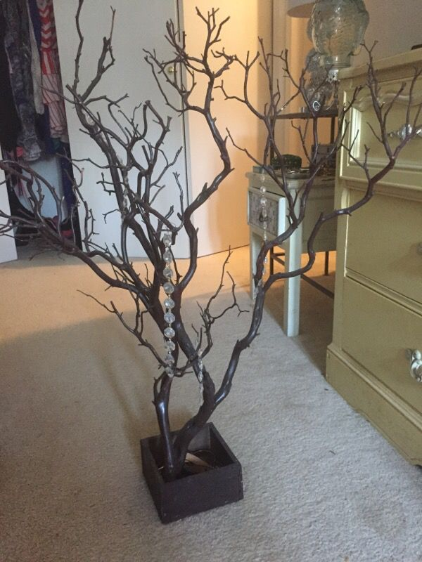 Decorative Tree, great for hanging jewelry !
