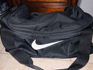 Nike Medium Duffle Bag for Sale in Pasadena, CA