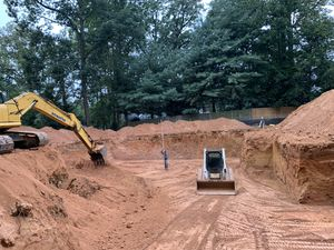 Free fill dirt and delivery for Sale in Fairfax, VA