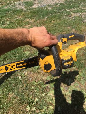 DeWalt cordless chainsaw for Sale in Rochester, WA