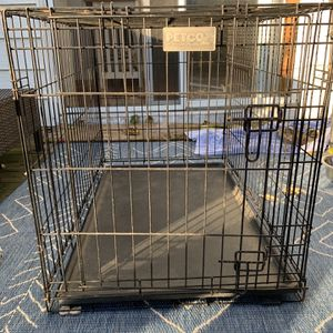 Petco Medium Size Dog Crate for Sale in Wall Township, NJ