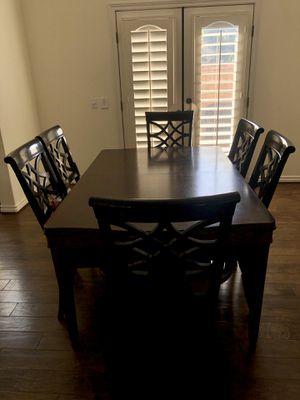 8 Piece Extendable Wood Dining Kitchen Table & Chairs Set for Sale in Irvine, CA