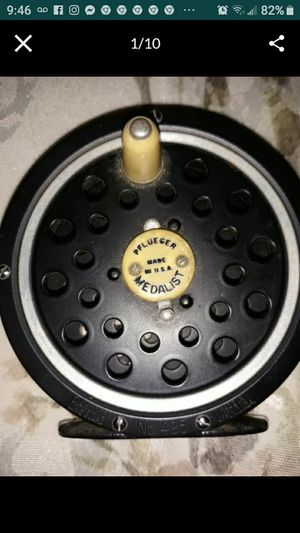 Vintage 60s? Pflueger MEDALIST 1495 Fly Fishing Reel - Made in the U.S.A. Collectible. Sports, rivers, for Sale in El Cajon, CA