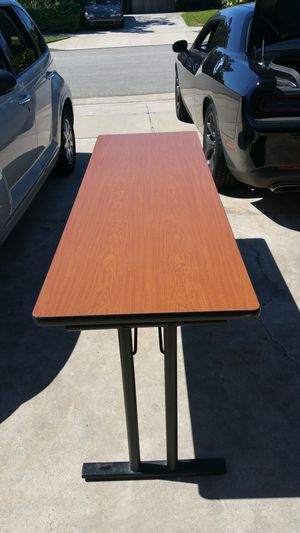 Tables 6foot great condition. $20 for Sale in Norco, CA