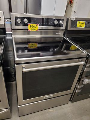 New Kitchen Aid convection oven electric stove stainless Steel with warranty for Sale in Baltimore, MD