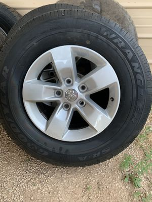 Goodyear Wranglers 265/70R17 for Sale in Midland, TX