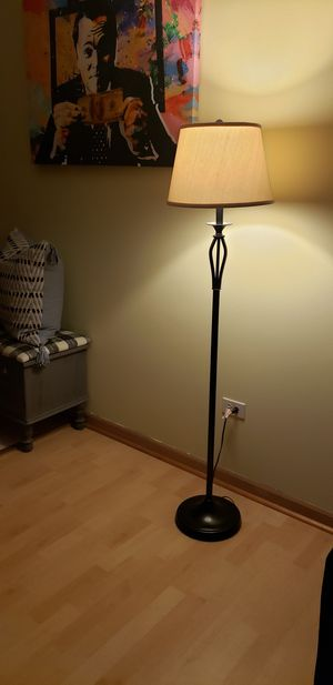 Floor Lamp for Sale in Midlothian, IL
