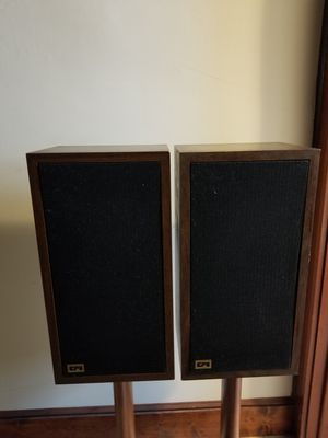 ADS speaker towers and vintage receiver for Sale in New Britain, CT