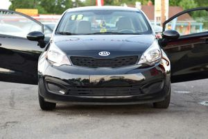 2013 kia Rio rebuilt Ohio Title has 35057 mil only$5800 cash only for Sale in Columbus, OH