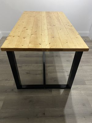 Dining table farmhouse style 35 x 63 for Sale in Miami, FL