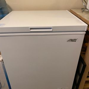 Arctic King 5 cu ft Chest Freezer for Sale in South San Francisco, CA