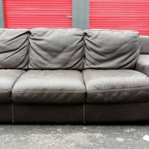 Free Couch for Sale in Miami, FL