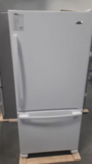 "Amana 30"" bottom freezer refrigerator white for Sale in Denver, CO"