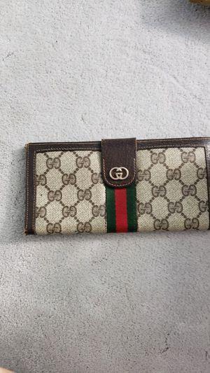 Vintage Gucci wallet for Sale in Baldwin Park, CA