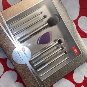 Real Techniques Make Up Brush Set for Sale in San Antonio, TX