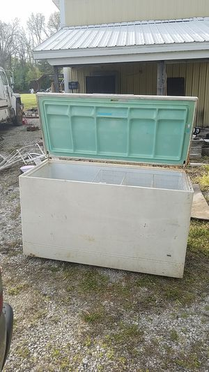 Insulated storage container for Sale in Collinsville, IL