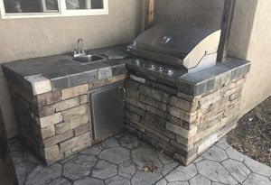 Outdoor Tec Char-Broil Grill (FREE) for Sale in Modesto, CA