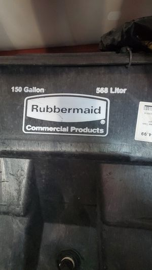 Rubbermaid Commercial Products 150 gallon for Sale in Bulverde, TX